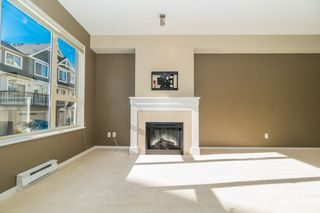 Photo 4: 142 3105 DAYANEE SPRINGS BOULEVARD in Coquitlam: Westwood Plateau Townhouse for sale : MLS®# R2217803