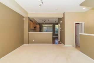 Photo 3: 142 3105 DAYANEE SPRINGS BOULEVARD in Coquitlam: Westwood Plateau Townhouse for sale : MLS®# R2217803