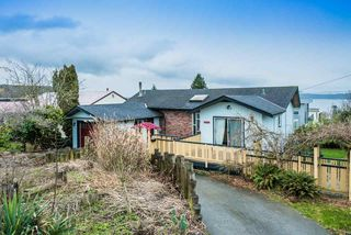 Photo 1: 15708 CLIFF Avenue: White Rock House for sale (South Surrey White Rock)  : MLS®# R2236459