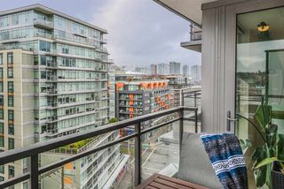 "Photo 6: 1104 89 W 2ND Avenue in Vancouver: False Creek Condo for sale in ""PINNACLE LIVING FALSE CREEK"" (Vancouver West)  : MLS®# R2250974"