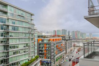 "Photo 7: 1104 89 W 2ND Avenue in Vancouver: False Creek Condo for sale in ""PINNACLE LIVING FALSE CREEK"" (Vancouver West)  : MLS®# R2250974"