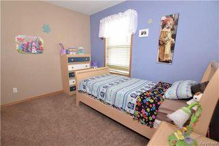 Photo 11: 3 Tyler Bay: Oakbank Residential for sale (R04)  : MLS®# 1808089