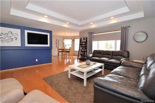 Photo 4: 3 Tyler Bay: Oakbank Residential for sale (R04)  : MLS®# 1808089
