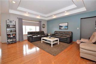 Photo 3: 3 Tyler Bay: Oakbank Residential for sale (R04)  : MLS®# 1808089