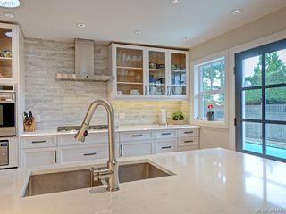 Photo 2: 1287 Rockland Avenue in VICTORIA: Vi Rockland Single Family Detached for sale (Victoria)  : MLS®# 390445