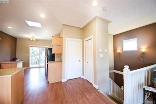 Photo 7: 141 951 Goldstream Ave in VICTORIA: La Langford Proper Row/Townhouse for sale (Langford)  : MLS®# 791453