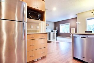 Photo 13: 141 951 Goldstream Ave in VICTORIA: La Langford Proper Row/Townhouse for sale (Langford)  : MLS®# 791453