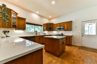 Photo 4: 42717 YARROW CENTRAL Road: Yarrow House for sale : MLS®# R2289572