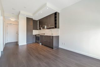 """Photo 3: 1156 5515 BOUNDARY Road in Vancouver: Collingwood VE Condo for sale in """"WALL CENTRE CENTRAL PARK - NORTH"""" (Vancouver East)  : MLS®# R2291552"""