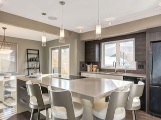 Photo 15: 536 BROOKMERE Crescent SW in Calgary: Braeside Detached for sale : MLS®# C4221954