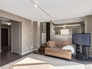 Photo 18: 536 BROOKMERE Crescent SW in Calgary: Braeside Detached for sale : MLS®# C4221954