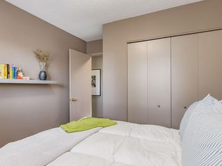Photo 35: 536 BROOKMERE Crescent SW in Calgary: Braeside Detached for sale : MLS®# C4221954