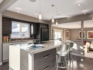 Photo 11: 536 BROOKMERE Crescent SW in Calgary: Braeside Detached for sale : MLS®# C4221954