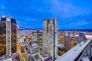 "Photo 3: 3706 833 SEYMOUR Street in Vancouver: Downtown VW Condo for sale in ""CAPITOL RESIDENCES"" (Vancouver West)  : MLS®# R2335417"