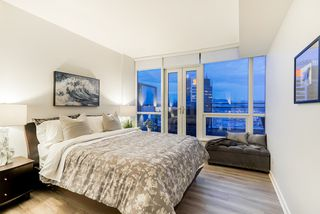 "Photo 11: 3706 833 SEYMOUR Street in Vancouver: Downtown VW Condo for sale in ""CAPITOL RESIDENCES"" (Vancouver West)  : MLS®# R2335417"
