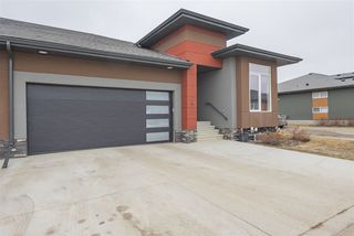 Photo 3: 4 4517 190A Street in Edmonton: Zone 20 House Half Duplex for sale : MLS®# E4148800