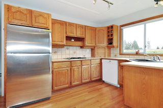 Photo 6: 374 BALFOUR Drive in Coquitlam: Coquitlam East House for sale : MLS®# R2357437