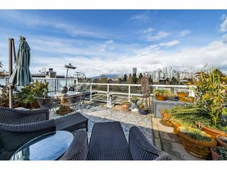 """Photo 2: A4 1100 WEST 6TH Avenue in Vancouver: Fairview VW Townhouse for sale in """"Fairview Place"""" (Vancouver West)  : MLS®# R2358007"""