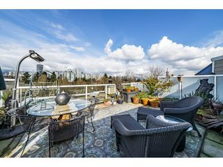 "Main Photo: A4 1100 WEST 6TH Avenue in Vancouver: Fairview VW Townhouse for sale in ""Fairview Place"" (Vancouver West)  : MLS®# R2358007"