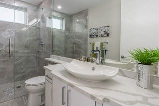Photo 6: 2737 E 8TH Avenue in Vancouver: Renfrew VE House for sale (Vancouver East)  : MLS®# R2359699