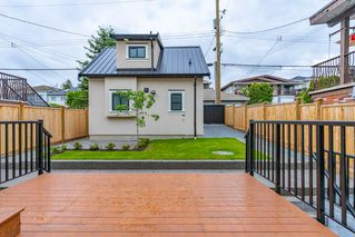 Photo 20: 2737 E 8TH Avenue in Vancouver: Renfrew VE House for sale (Vancouver East)  : MLS®# R2359699