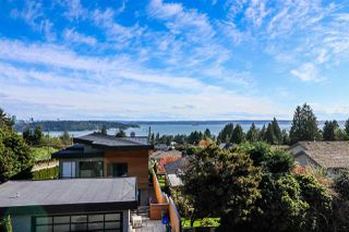 Photo 2: 1506 OTTAWA Avenue in West Vancouver: Ambleside House for sale : MLS®# R2360568