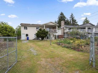 Photo 18: 5767 DOLPHIN Street in Sechelt: Sechelt District House for sale (Sunshine Coast)  : MLS®# R2371016