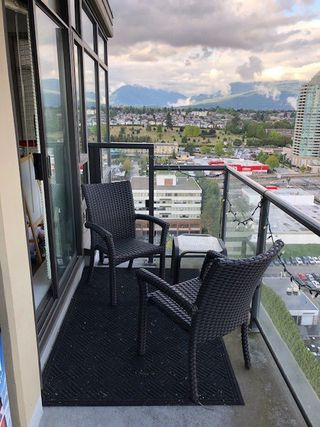 """Photo 6: 2302 4250 DAWSON Street in Burnaby: Brentwood Park Condo for sale in """"OMA 2"""" (Burnaby North)  : MLS®# R2375435"""