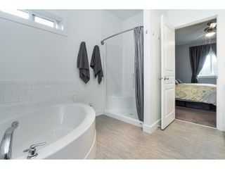 """Photo 14: 205 3665 244 Street in Langley: Otter District Manufactured Home for sale in """"Langley Grove Estates"""" : MLS®# R2372975"""