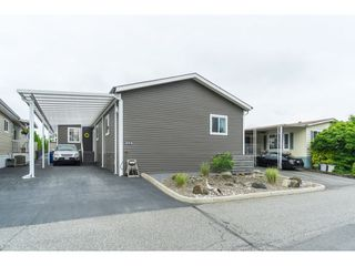 """Photo 2: 205 3665 244 Street in Langley: Otter District Manufactured Home for sale in """"Langley Grove Estates"""" : MLS®# R2372975"""