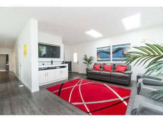 """Photo 5: 205 3665 244 Street in Langley: Otter District Manufactured Home for sale in """"Langley Grove Estates"""" : MLS®# R2372975"""