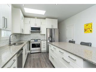 """Photo 9: 205 3665 244 Street in Langley: Otter District Manufactured Home for sale in """"Langley Grove Estates"""" : MLS®# R2372975"""