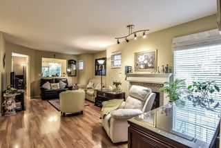 """Photo 2: 43 13499 92 Avenue in Surrey: Queen Mary Park Surrey Townhouse for sale in """"Chatham Lane"""" : MLS®# R2381176"""