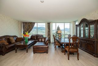 Photo 5: 3301 2975 ATLANTIC Avenue in Coquitlam: North Coquitlam Condo for sale : MLS®# R2392865