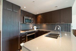 Photo 3: 3301 2975 ATLANTIC Avenue in Coquitlam: North Coquitlam Condo for sale : MLS®# R2392865