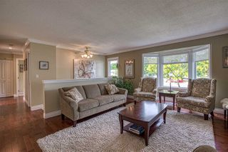"Photo 3: 8677 147 Street in Surrey: Bear Creek Green Timbers House for sale in ""BEAR CREEK/GREENTIMBERS"" : MLS®# R2393262"
