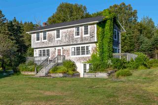 Photo 1: 63 Old Halifax Road in Glen Haven: 40-Timberlea, Prospect, St. Margaret`S Bay Residential for sale (Halifax-Dartmouth)  : MLS®# 201919953