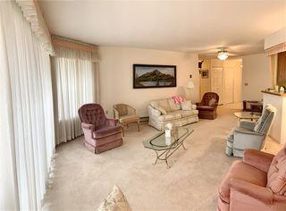 """Photo 3: 109 33233 E BOURQUIN Crescent in Abbotsford: Central Abbotsford Condo for sale in """"Horizon Place"""" : MLS®# R2400267"""