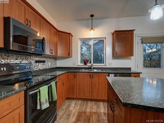 Photo 13: 2433 Lund Road in VICTORIA: VR Six Mile Single Family Detached for sale (View Royal)  : MLS®# 419739