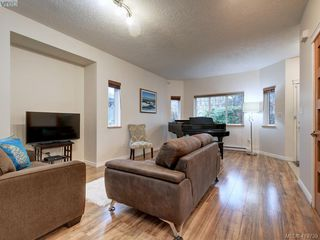 Photo 8: 2433 Lund Road in VICTORIA: VR Six Mile Single Family Detached for sale (View Royal)  : MLS®# 419739