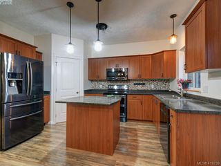 Photo 15: 2433 Lund Road in VICTORIA: VR Six Mile Single Family Detached for sale (View Royal)  : MLS®# 419739