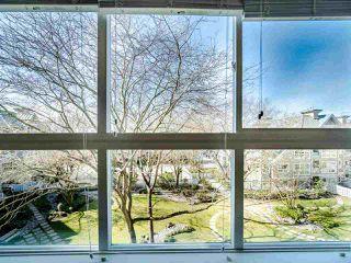 """Photo 3: 419 5900 DOVER Crescent in Richmond: Riverdale RI Condo for sale in """"THE HAMPTONS"""" : MLS®# R2445296"""