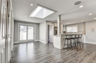 Photo 18: 324 WASCANA Crescent SE in Calgary: Willow Park Detached for sale : MLS®# C4296360