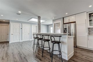 Photo 7: 324 WASCANA Crescent SE in Calgary: Willow Park Detached for sale : MLS®# C4296360