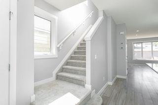 Photo 11: 9739 70 Avenue in Edmonton: Zone 17 House Half Duplex for sale : MLS®# E4200433