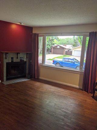 Photo 2: 29 Fleetwood Crescent in St. Albert: House for rent