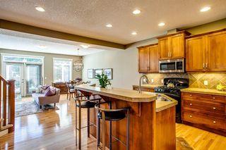 Photo 4: 2012 28 Street SW in Calgary: Killarney/Glengarry Semi Detached for sale : MLS®# A1032302