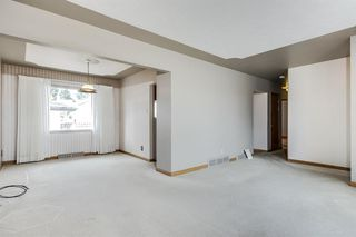 Photo 5: 31 Galway Crescent SW in Calgary: Glamorgan Detached for sale : MLS®# A1041053