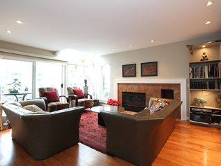 """Photo 12: 1596 ISLAND PARK Walk in Vancouver: False Creek Townhouse for sale in """"THE LAGOONS"""" (Vancouver West)  : MLS®# V922558"""