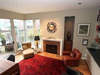 "Photo 5: 1596 ISLAND PARK Walk in Vancouver: False Creek Townhouse for sale in ""THE LAGOONS"" (Vancouver West)  : MLS®# V922558"